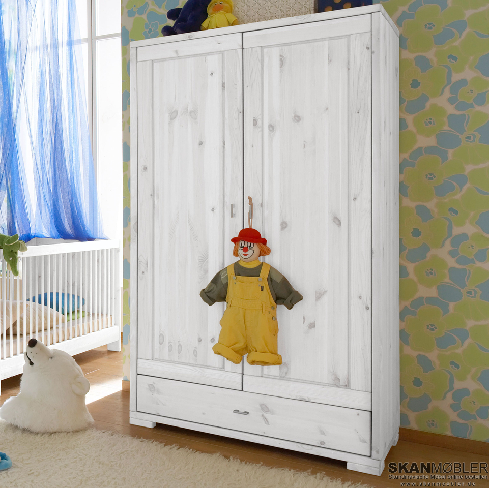 kleiderschrank f r kinderzimmer babyzimmer guldborg von pinus g nstig bestellen skanm bler. Black Bedroom Furniture Sets. Home Design Ideas