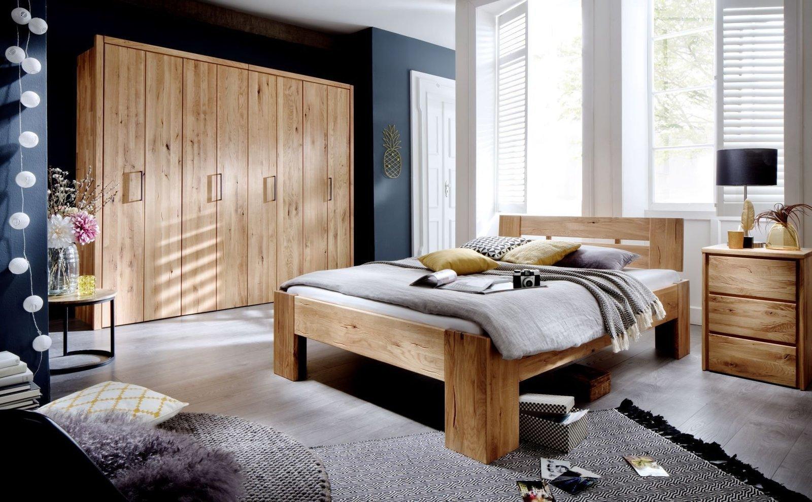 Schlafzimmer Alvar aus Massivholz Wildeiche