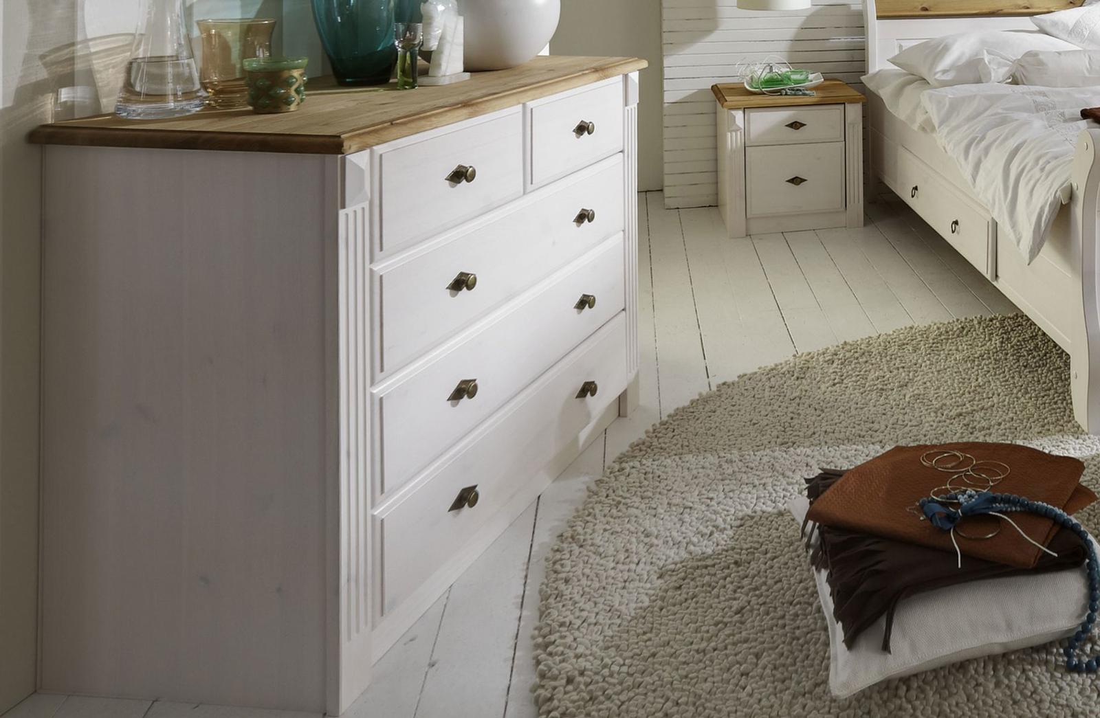 Schlafzimmer im Landhausstil Eva weiß gelaugt geölt, Bild 7