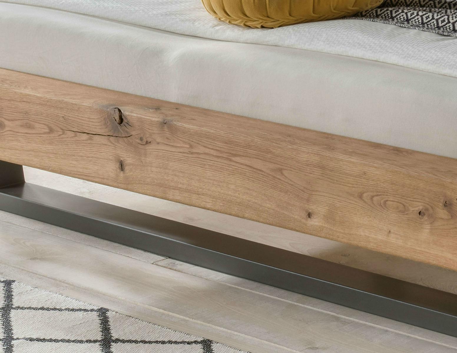 Schwebe Balkenbett Wildeiche Massivholz mit Metallgestell, Bild 4