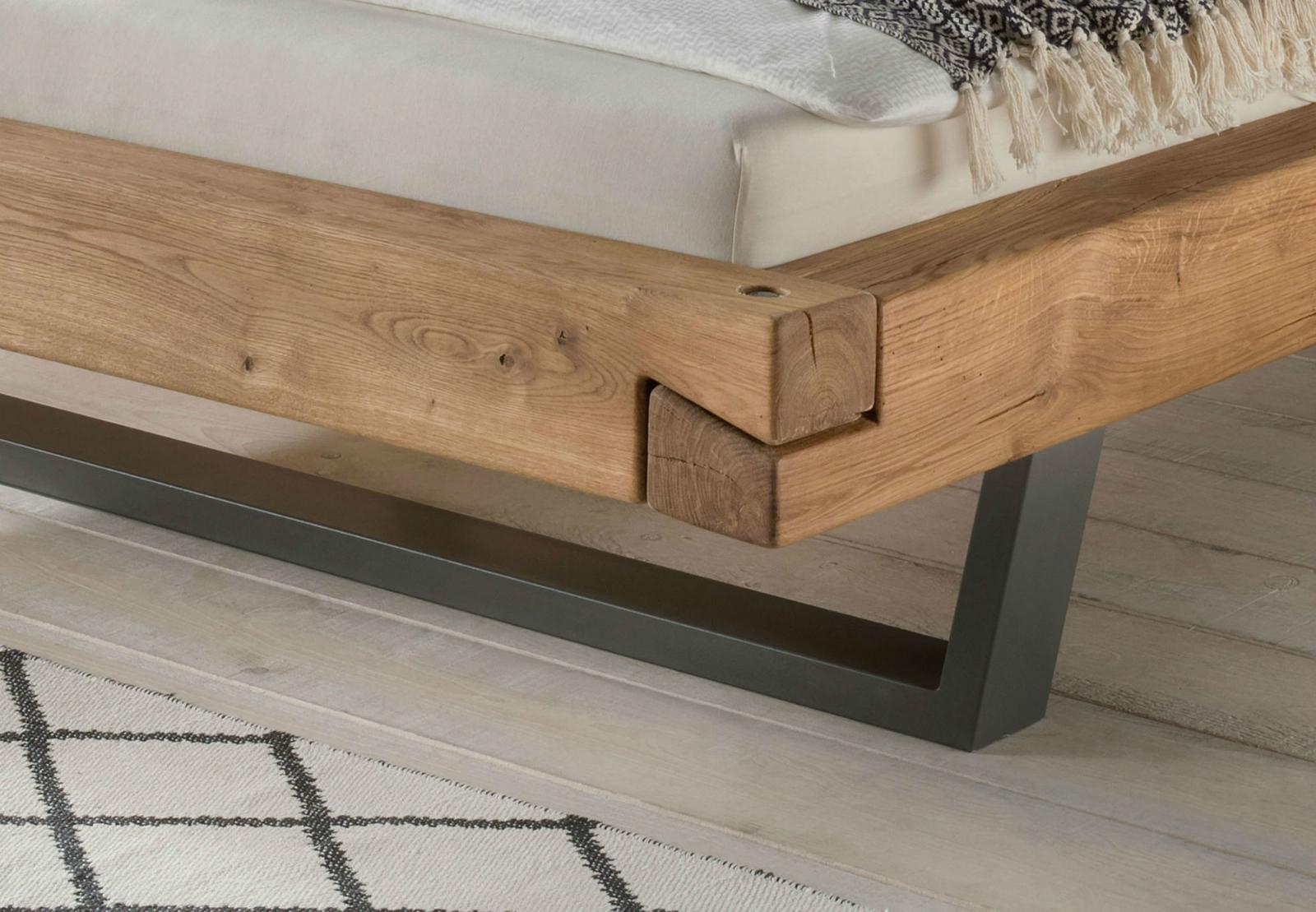 Schwebebalkenbett Wildeiche Massivholz mit Metallgestell, Bild 6