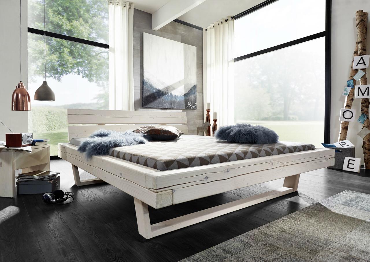 Balkenbett Massivholz weiß lasiert