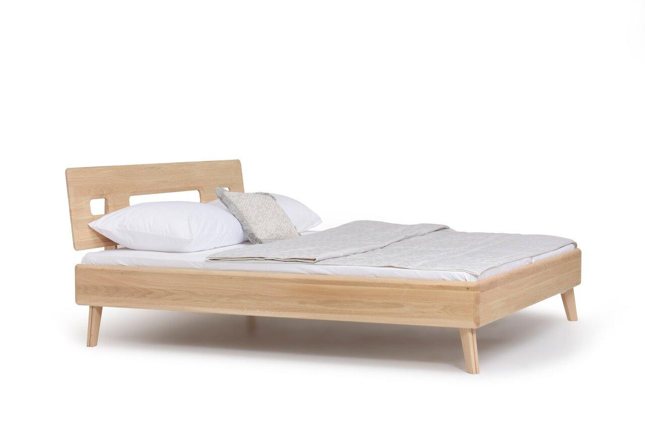 Bett I Bessi aus massiver Wildeiche