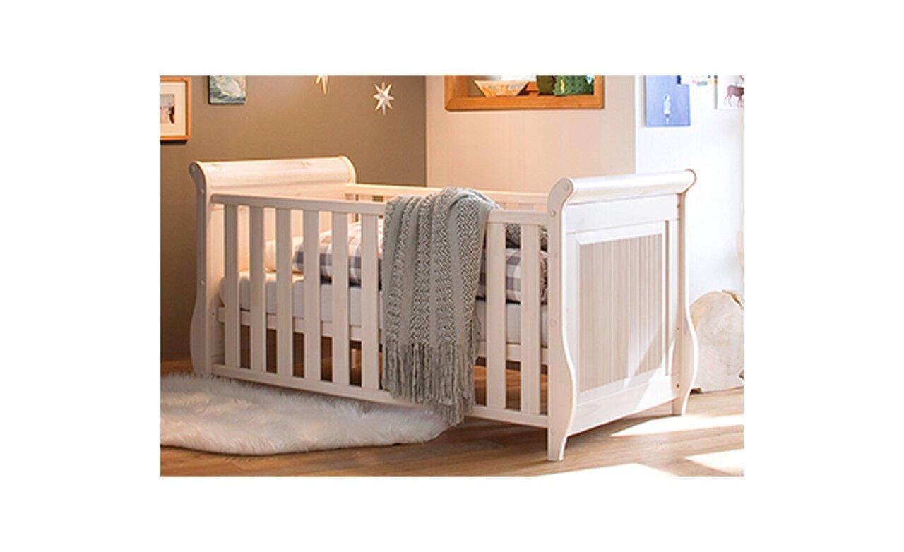 Babybett Helsinki aus massiver Kiefer