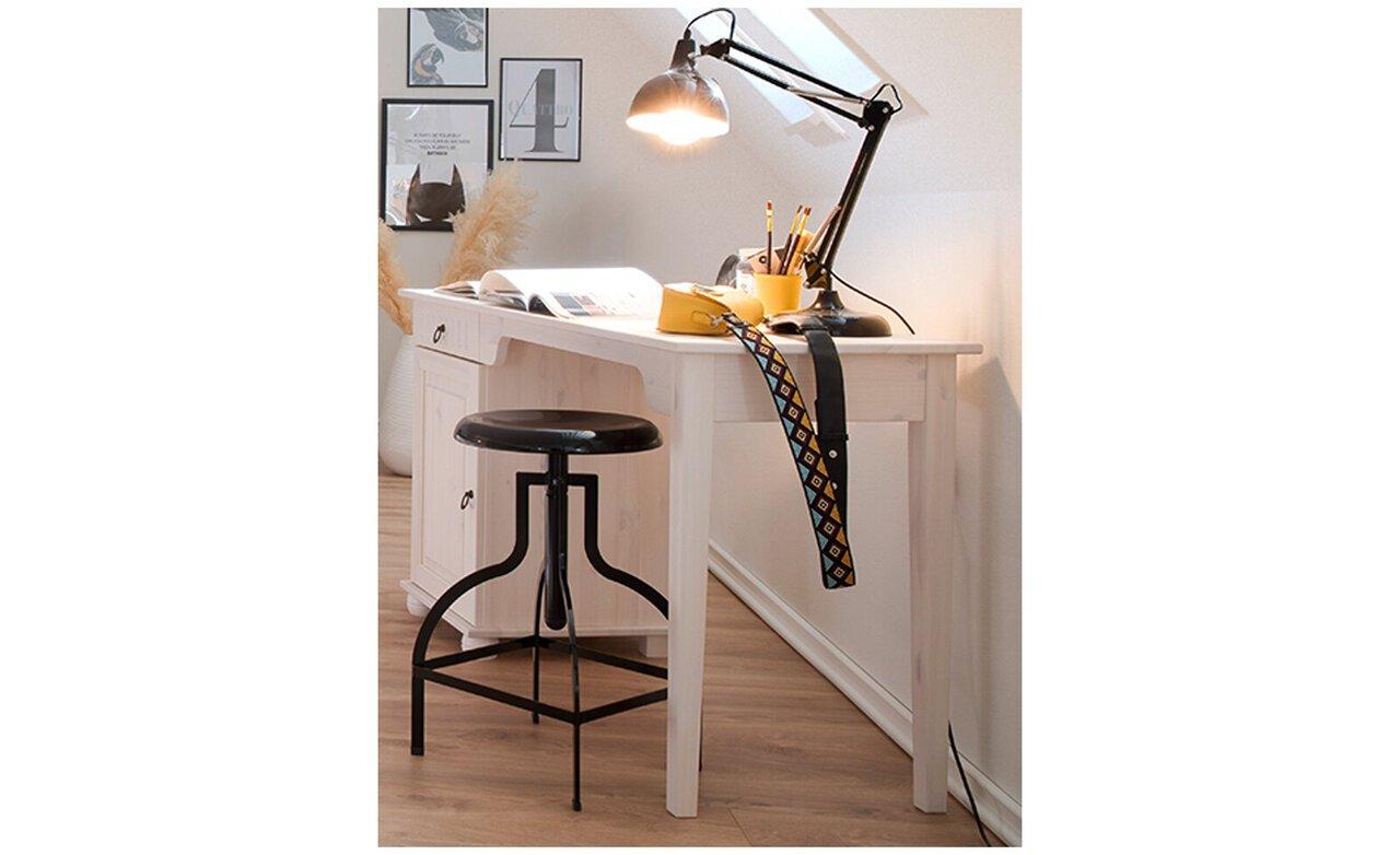 Schreibtisch Helsinki aus massiver Kiefer