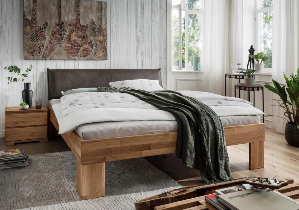 Bett Astoria V aus Wildeiche