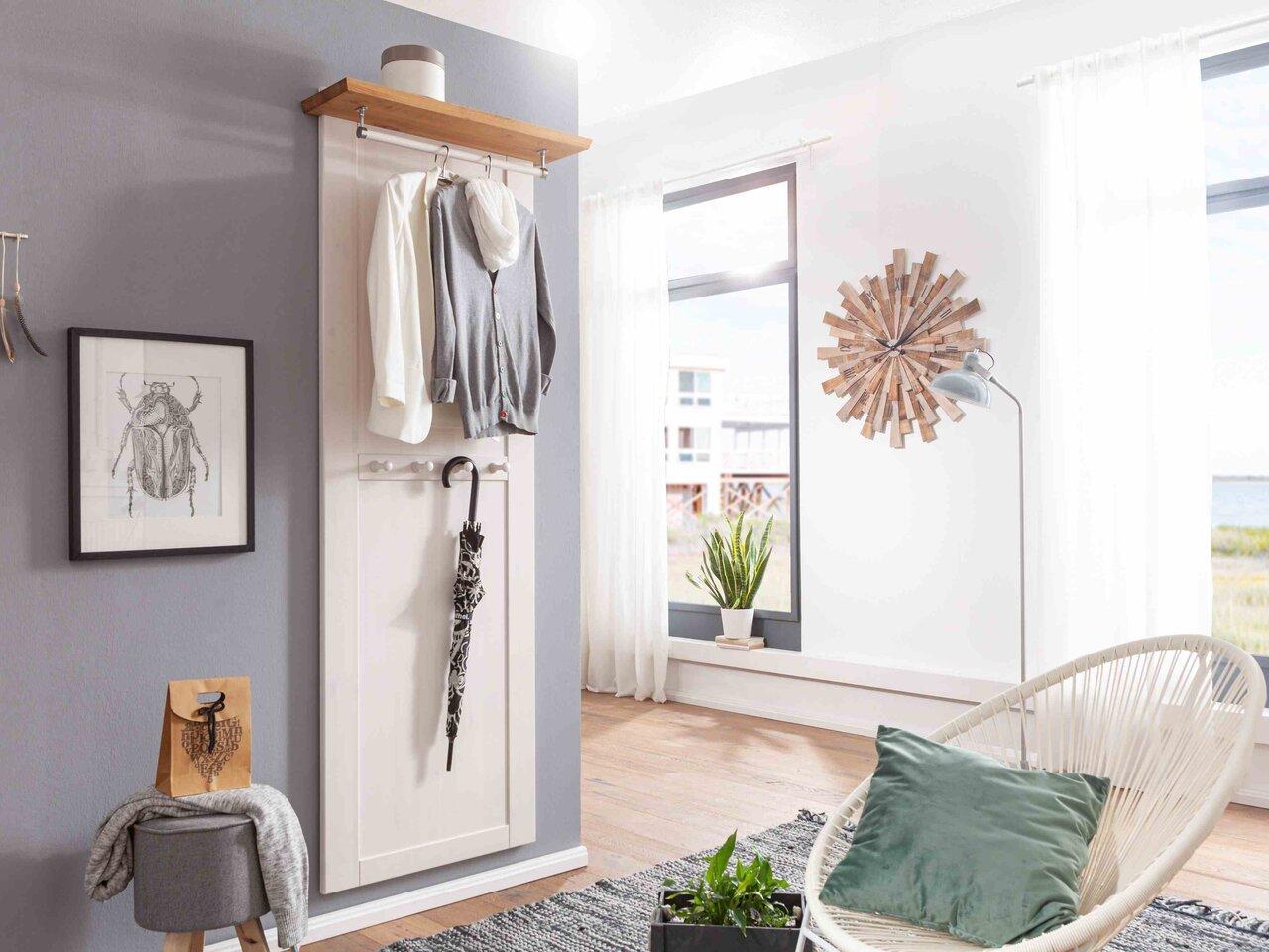 Garderobenpaneel I Viborg aus massiver Kiefer