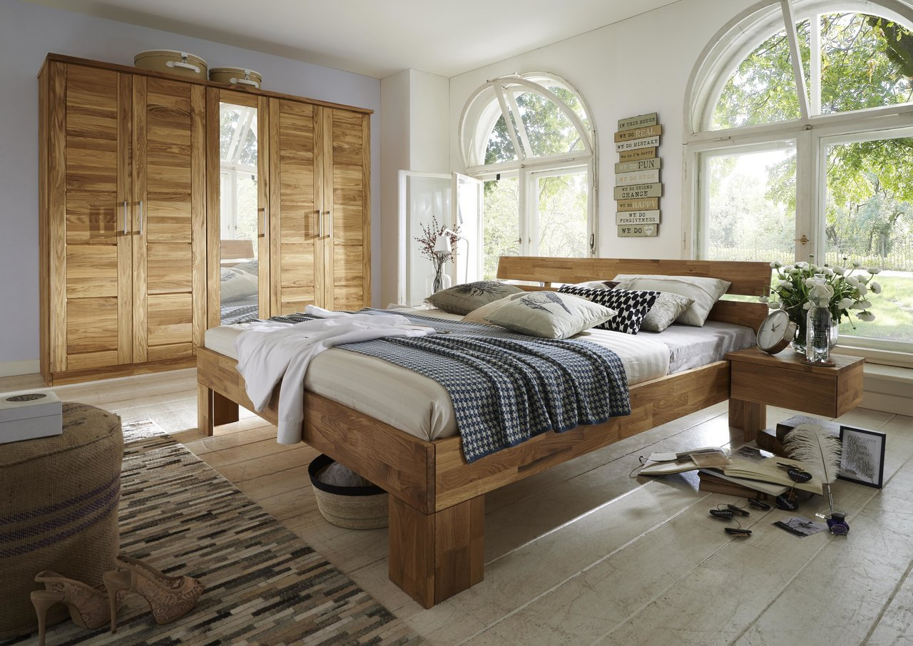 Schlafzimmer Köping Wildeiche Massivholz