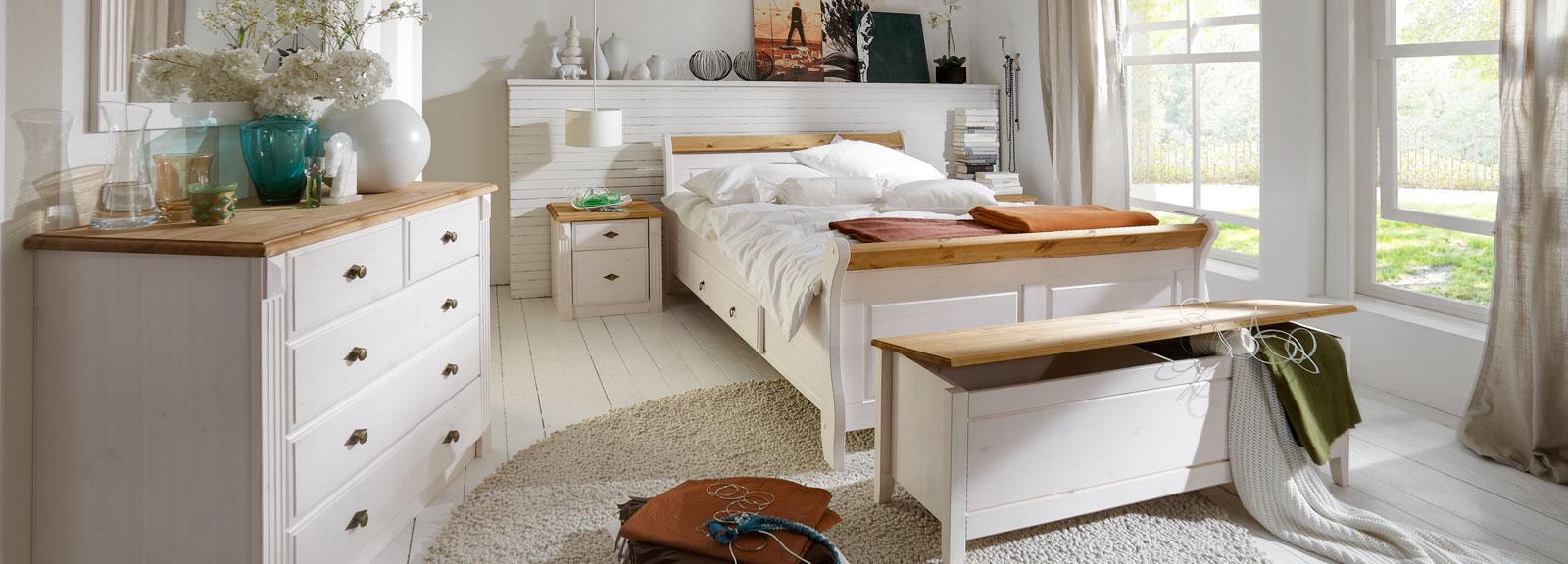 Schlafzimmer Landhausstil Eva & Dora aus Massivholz, Bild 3